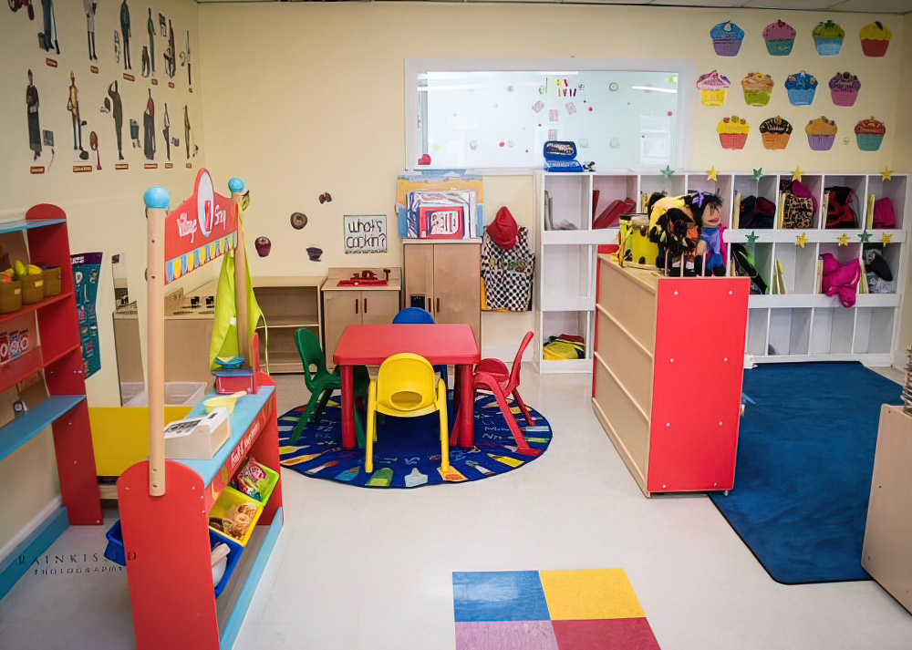 Large Classrooms With A Warm, Friendly Vibe